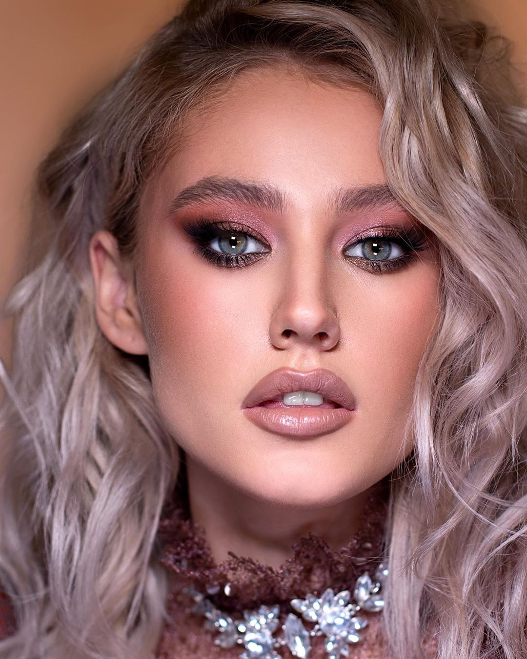 50+ Pretty Makeup Looks To Try In 2020 images 1