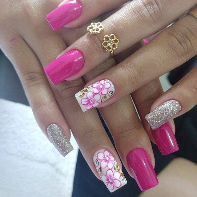 30 Cool and Easy Halloween nail art designs for Women img 4