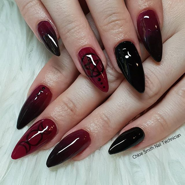30 Cool and Easy Halloween nail art designs for Women img 9