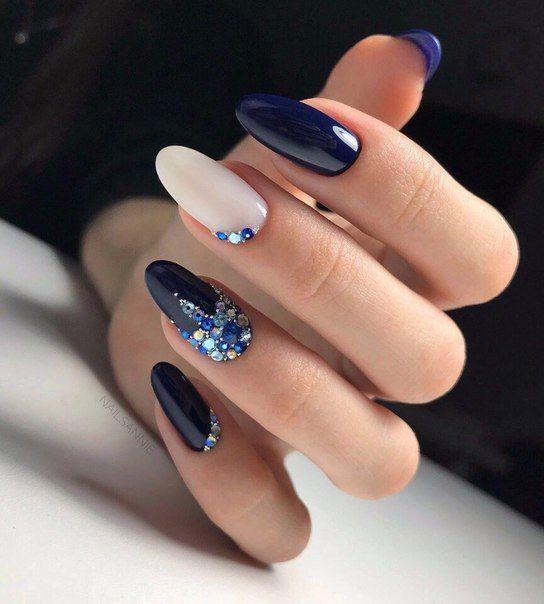 50+ The Best Winter Nail Art Design Ideas img 26