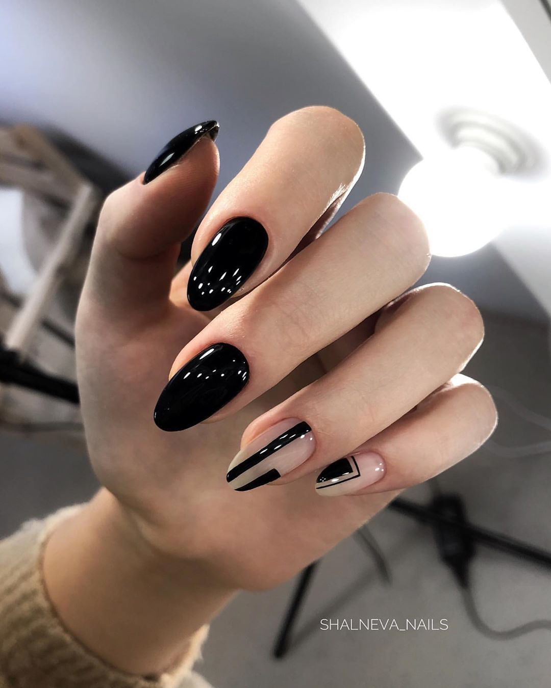 60 Cute Winter Nails Designs to Inspire Your Winter Mood images 1