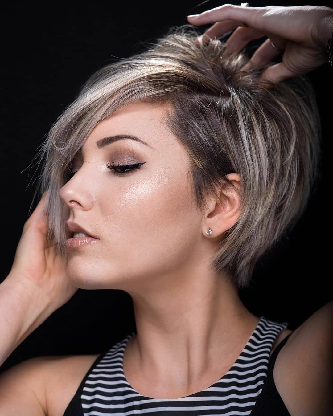 100+ Short Hairstyles and Haircuts You Need to Try in 2020 images 5
